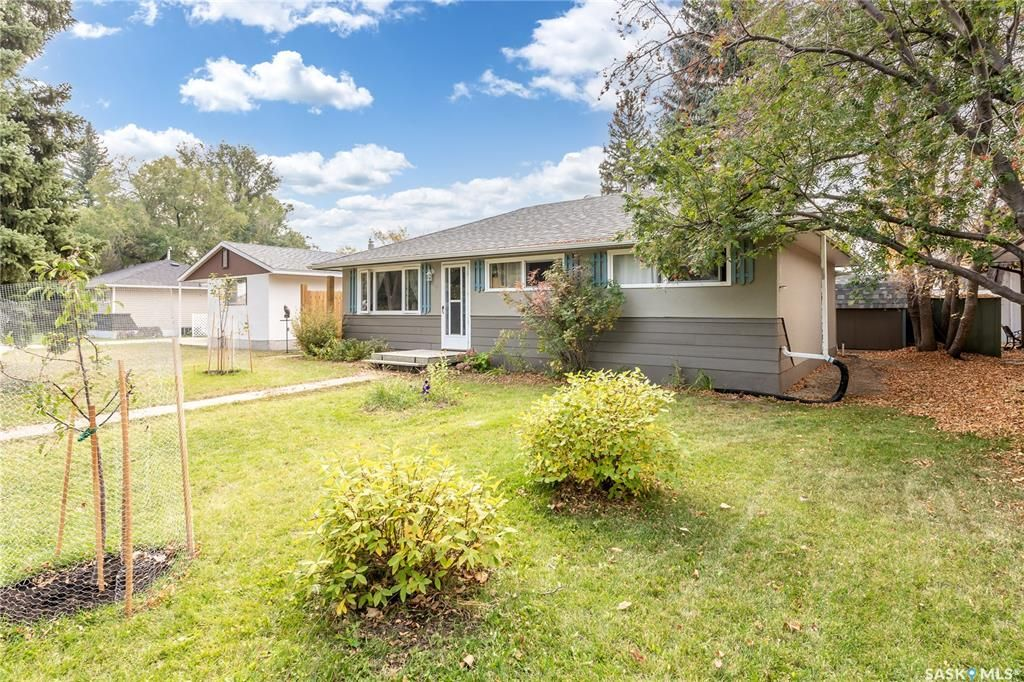 Main Photo: 1326 7th Avenue Northwest in Moose Jaw: Central MJ Residential for sale : MLS®# SK873700