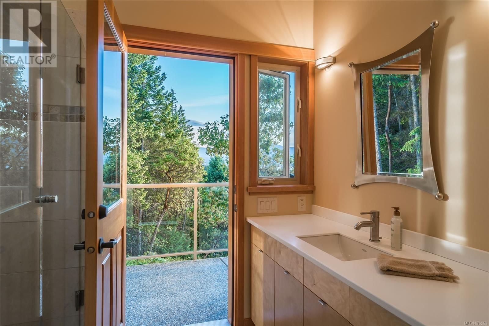 Photo 32: Photos: 825 Duthie Ave in Gabriola Island: House for sale : MLS®# 879263