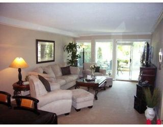 Photo 2: 110 1860 Southmere Crescent in Southmere Villa: Home for sale : MLS®# F2821507