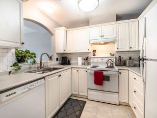 """Photo 7: 305 3128 FLINT Street in Port Coquitlam: Glenwood PQ Condo for sale in """"FRASER COURT TERRACE"""" : MLS®# R2456754"""