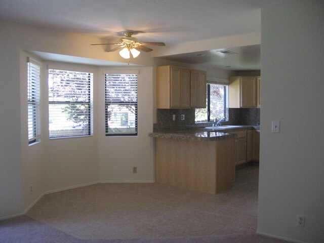 Photo 4: Photos: NORTH ESCONDIDO Residential for sale : 4 bedrooms : 410 Elkhorn Ln in Escondido