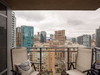 Photo 6: 2304 888 HOMER STREET in Vancouver: Downtown VW Condo for sale (Vancouver West)  : MLS®# R2330895