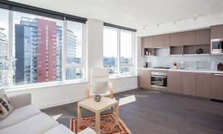 """Photo 2: 1756 38 SMITHE Street in Vancouver: Downtown VW Condo for sale in """"ONE PACIFIC"""" (Vancouver West)  : MLS®# R2106045"""