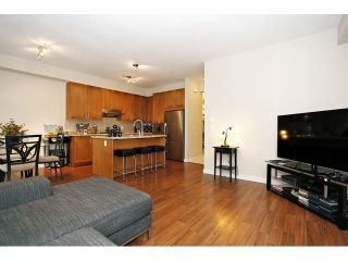 Photo 8: # 137 2738 158TH ST in Surrey: Grandview Surrey Condo for sale (South Surrey White Rock)  : MLS®# F1326402