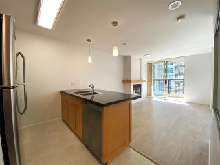 """Photo 3: 1001 989 RICHARDS Street in Vancouver: Downtown VW Condo for sale in """"Mondrian One"""" (Vancouver West)  : MLS®# R2585997"""