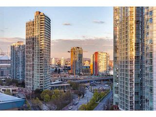 """Photo 15: 1502 1177 PACIFIC Boulevard in Vancouver: Yaletown Condo for sale in """"PACIFIC PLAZA"""" (Vancouver West)  : MLS®# V1122980"""