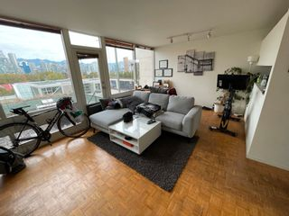 Photo 3: 1047 W 7TH Avenue in Vancouver: Fairview VW Townhouse for sale (Vancouver West)  : MLS®# R2625820