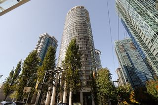 """Photo 2: 2803 1200 ALBERNI Street in Vancouver: West End VW Condo for sale in """"THE PALISADES"""" (Vancouver West)  : MLS®# V915150"""