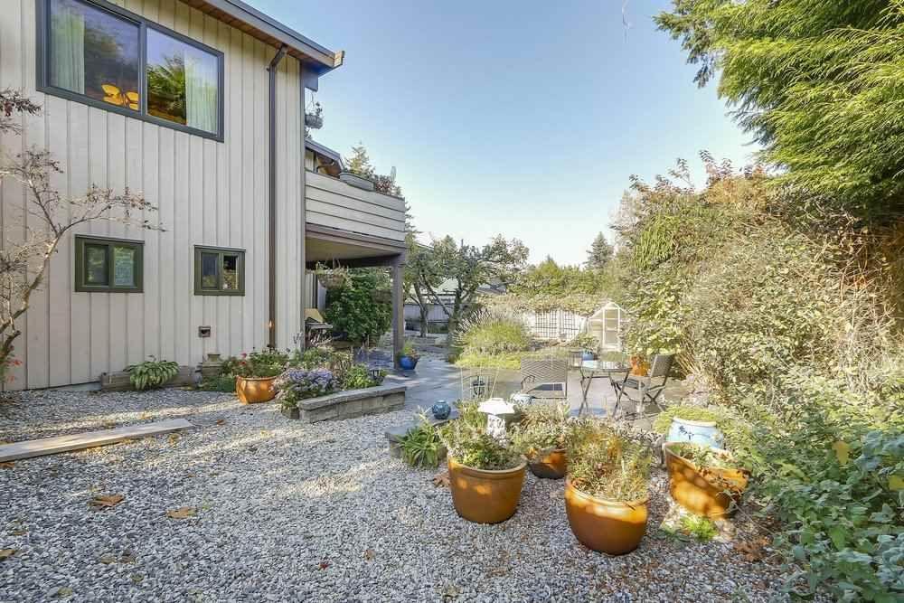 Photo 18: Photos: 208 54 STREET in Delta: Pebble Hill House for sale (Tsawwassen)  : MLS®# R2216720