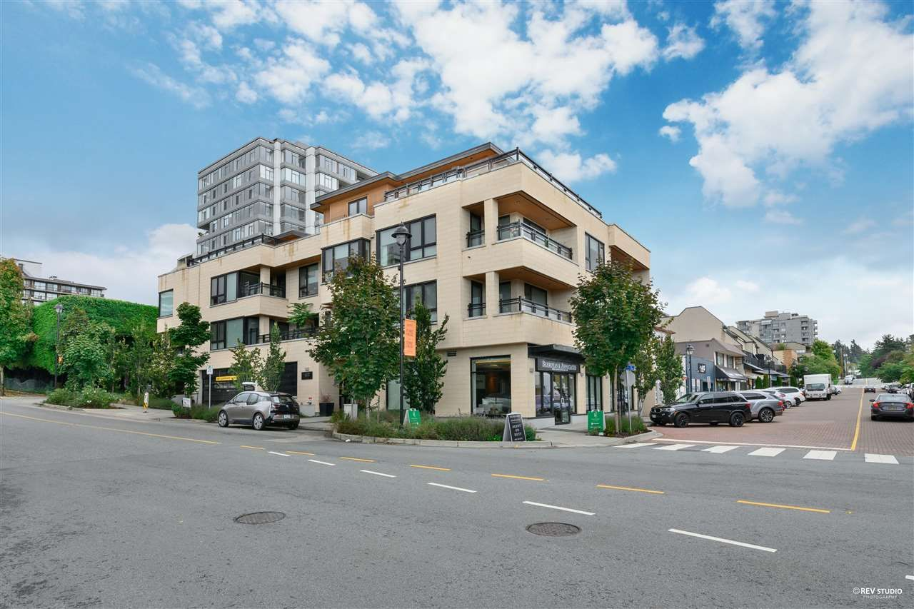 """Main Photo: 201 522 15TH Street in West Vancouver: Ambleside Condo for sale in """"Ambleside Citizen"""" : MLS®# R2585639"""