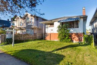 Photo 3: 5064 GLADSTONE Street in Vancouver: Victoria VE House for sale (Vancouver East)  : MLS®# R2186018