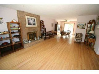 Photo 6: 4036 CHATHAM Place NW in CALGARY: Charleswood Residential Detached Single Family for sale (Calgary)  : MLS®# C3630774