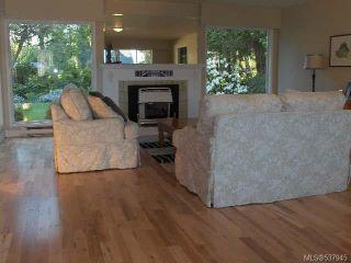 Photo 3: 1064 Eaglecrest Dr in QUALICUM BEACH: PQ Qualicum Beach House for sale (Parksville/Qualicum)  : MLS®# 537945