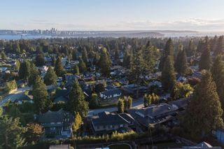 Photo 28: 965 BEAUMONT Drive in North Vancouver: Edgemont House for sale : MLS®# R2624946