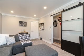 """Photo 19: #4 18211 70 Avenue in Surrey: Cloverdale BC Townhouse for sale in """"Augusta Walk"""" (Cloverdale)  : MLS®# R2453483"""