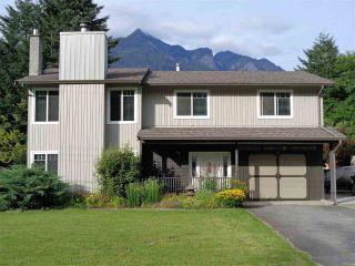 Photo 1: 21044 RIVERVIEW Drive in Hope: Hope Kawkawa Lake House for sale : MLS®# R2474466