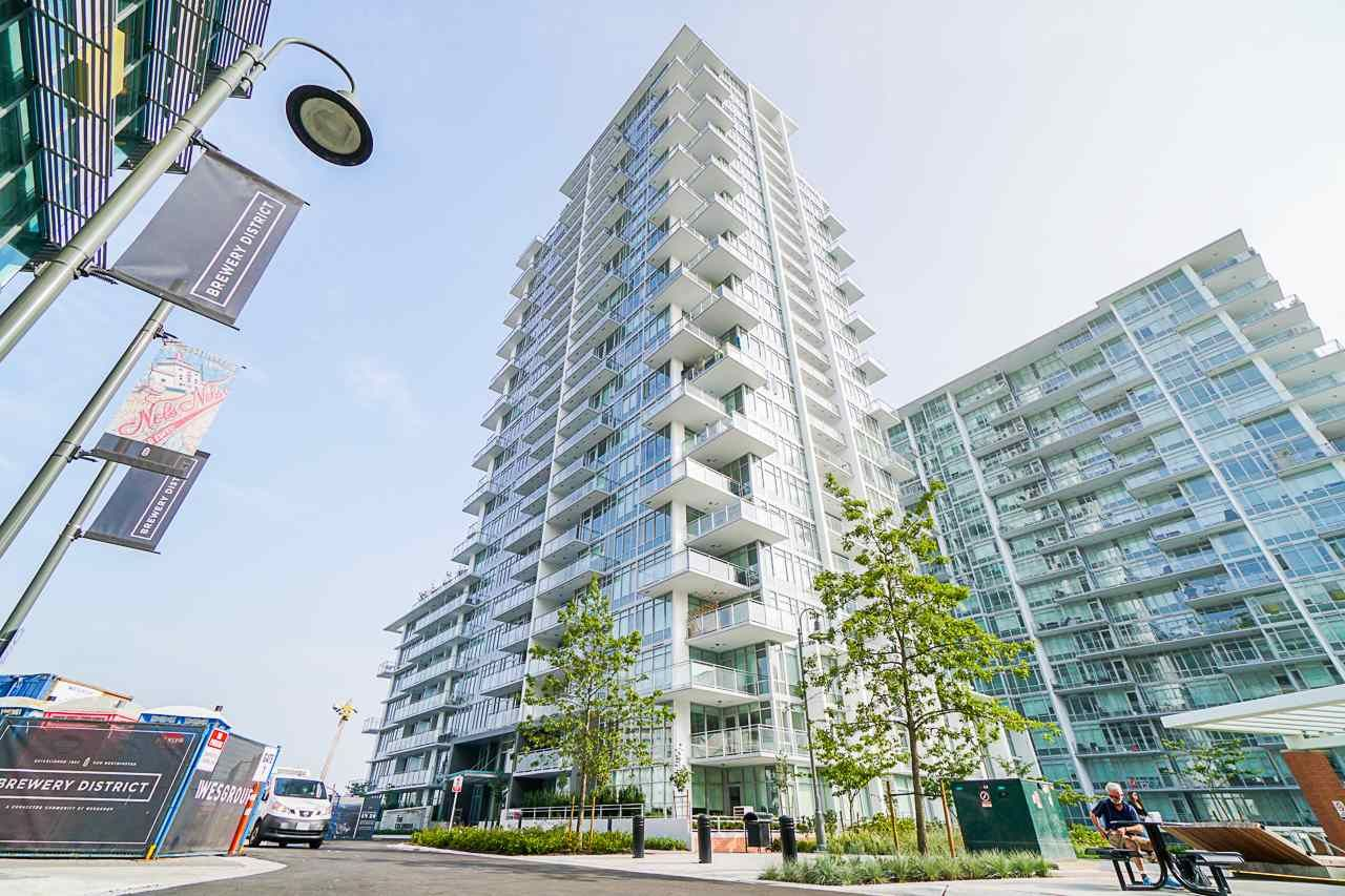 Main Photo: 2504 258 NELSON'S Court in New Westminster: Sapperton Condo for sale : MLS®# R2543200