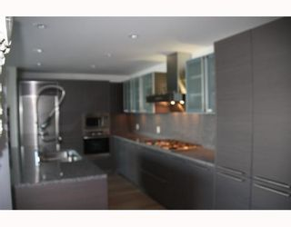 Photo 3: # 3803 1111 ALBERNI ST in Vancouver: Condo for sale : MLS®# V795212