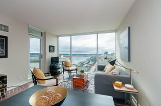 "Photo 1: 1905 125 COLUMBIA Street in New Westminster: Downtown NW Condo for sale in ""NORTHBANK"" : MLS®# R2255130"