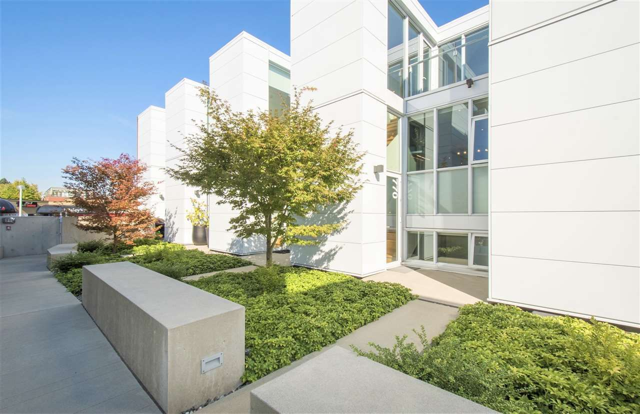 Main Photo: 770 W 6TH AVENUE in Vancouver: Fairview VW Townhouse for sale (Vancouver West)  : MLS®# R2341844