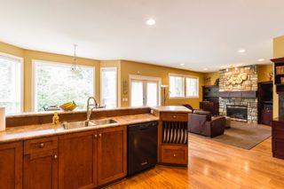 """Photo 8: 24095 MCCLURE Drive in Maple Ridge: Albion House for sale in """"MAPLE CREST"""" : MLS®# R2072604"""