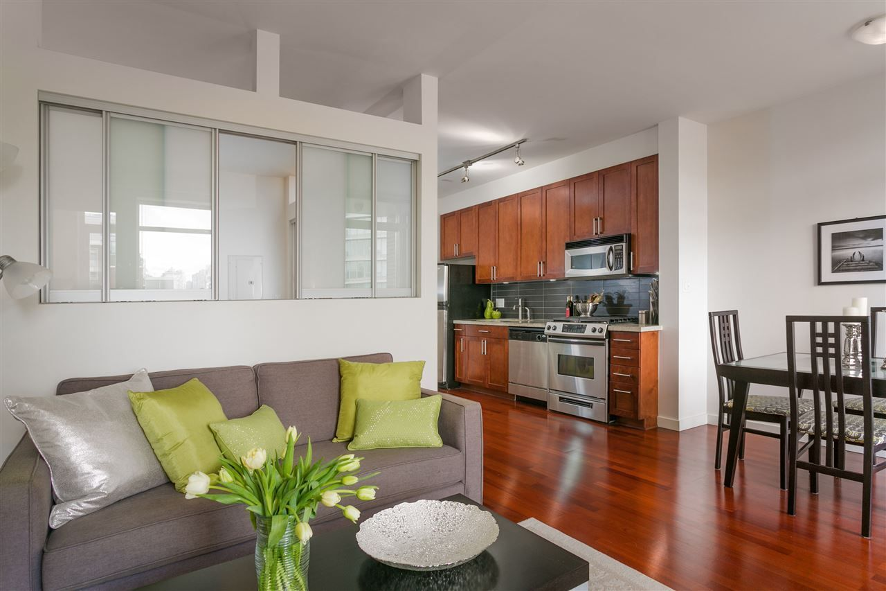 """Main Photo: 306 2055 YUKON Street in Vancouver: False Creek Condo for sale in """"MONTREUX"""" (Vancouver West)  : MLS®# R2238988"""
