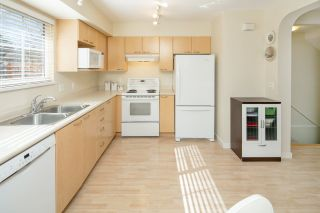 """Photo 4: 6 12778 66 Avenue in Surrey: West Newton Townhouse for sale in """"Hathaway Village"""" : MLS®# R2248579"""