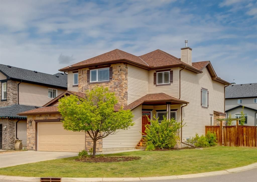 Main Photo: 301 Crystal Green Close: Okotoks Detached for sale : MLS®# A1118340