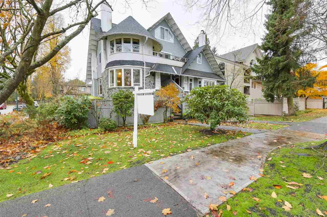 """Main Photo: 1160 W 15TH Avenue in Vancouver: Fairview VW Townhouse for sale in """"MONTCALM MANOR"""" (Vancouver West)  : MLS®# R2222344"""