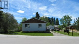 Photo 1: 113 Meadow Drive in Hinton: House for sale : MLS®# A1091558
