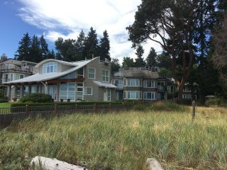 Photo 3: 10 1065 Tanglewood Pl in PARKSVILLE: PQ Parksville Row/Townhouse for sale (Parksville/Qualicum)  : MLS®# 770059
