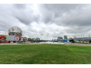 Photo 5: 1102 1128 QUEBEC Street in Vancouver East: Home for sale : MLS®# V1127614