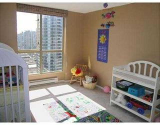 """Photo 9: 2602 867 HAMILTON Street in Vancouver: Downtown VW Condo for sale in """"JARDINE'S LOOKOUT"""" (Vancouver West)  : MLS®# V674303"""
