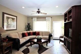 Photo 8: OCEANSIDE House for sale : 3 bedrooms : 149 Canyon Creek Way