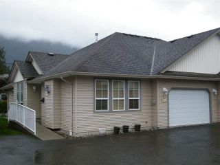 Photo 2: 4 638 COQUIHALLA Street in Hope: Hope Center 1/2 Duplex for sale : MLS®# R2124027