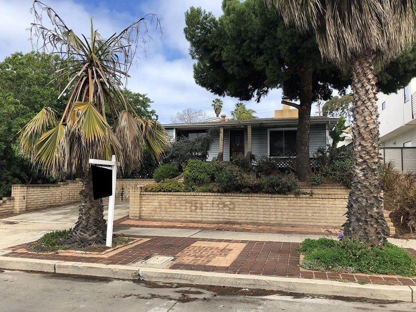 Main Photo: PACIFIC BEACH House for sale : 3 bedrooms : 1360 Beryl Street in San Diego