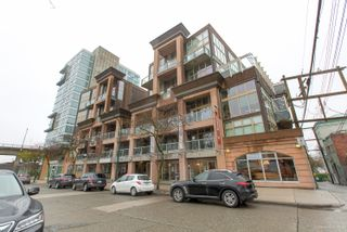 """Photo 3: 413 1529 W 6TH Avenue in Vancouver: False Creek Condo for sale in """"WSIX - South Granville Lofts"""" (Vancouver West)  : MLS®# R2435033"""