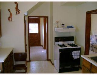 Photo 4: 477 BROOKLYN Street in WINNIPEG: St James Residential for sale (West Winnipeg)  : MLS®# 2818059