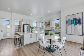 Photo 3: PACIFIC BEACH House for sale : 4 bedrooms : 4056 Haines St in San Diego