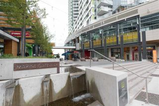 """Photo 15: 3208 488 SW MARINE Drive in Vancouver: Marpole Condo for sale in """"Marine Gateway"""" (Vancouver West)  : MLS®# R2440904"""