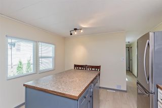 """Photo 7: 6 32380 LOUGHEED Highway in Mission: Mission BC Manufactured Home for sale in """"The Grove Mobile Home Park"""" : MLS®# R2586007"""