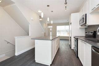 """Photo 5: 152 2228 162 Street in Surrey: Grandview Surrey Townhouse for sale in """"BREEZE"""" (South Surrey White Rock)  : MLS®# R2143902"""