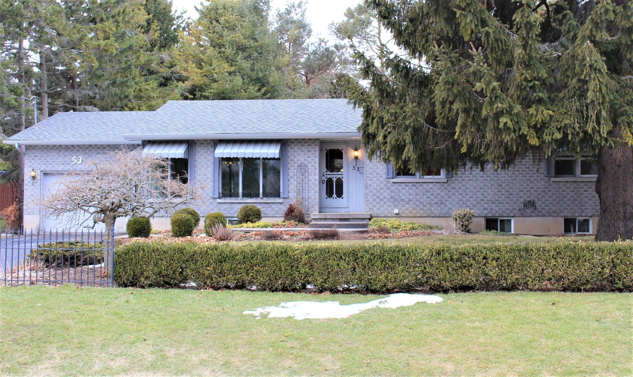 Main Photo: 53 Hamilton Avenue in Cobourg: House for sale : MLS®# 248535