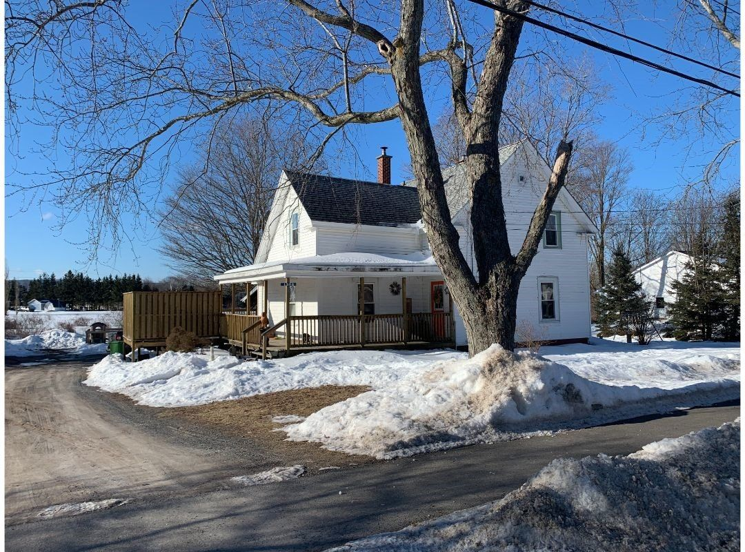 Main Photo: 1206 Maple Street in Waterville: 404-Kings County Residential for sale (Annapolis Valley)  : MLS®# 202103387