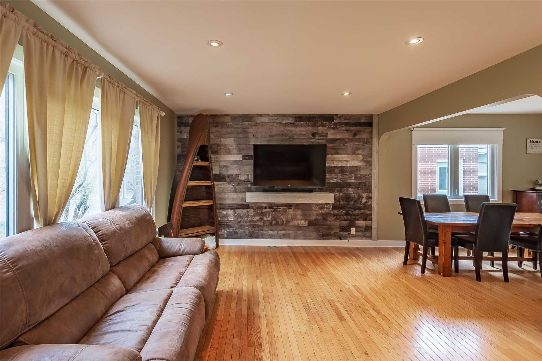 Photo 15: Photos: 5 Waubuno Road in Parry Sound: House (2-Storey) for sale : MLS®# X4488183