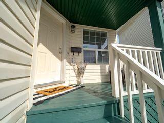 Photo 2: 705 89 Street SW in Edmonton: Zone 53 House for sale : MLS®# E4261071