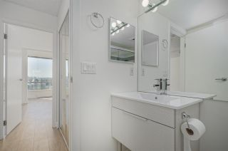 """Photo 10: 1505 2668 ASH Street in Vancouver: Fairview VW Condo for sale in """"CAMBRIDGE GARDENS"""" (Vancouver West)  : MLS®# R2354882"""