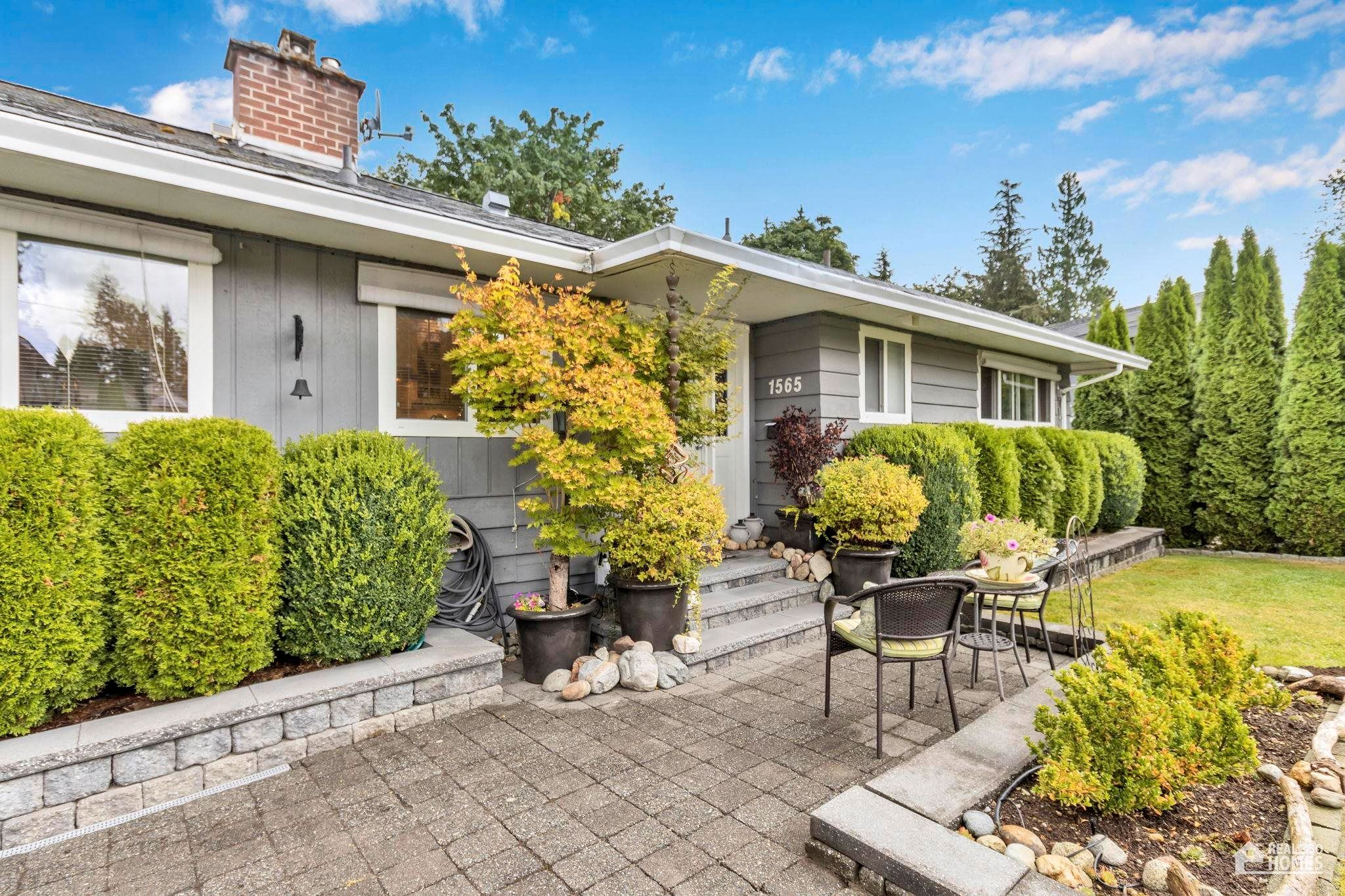 Main Photo: 1565 HARBOUR Drive in Coquitlam: Harbour Chines House for sale : MLS®# R2613539