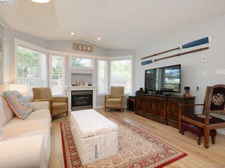 Photo 3: 19 7570 Tetayut Rd in SAANICHTON: CS Hawthorne Manufactured Home for sale (Central Saanich)  : MLS®# 786908
