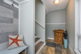 """Photo 4: 18638 65 Avenue in Surrey: Cloverdale BC Townhouse for sale in """"Ridgeway"""" (Cloverdale)  : MLS®# R2537328"""